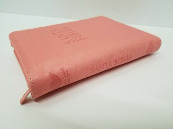 Biblia RVR 1960 Tamaño Compacto Encaje Color Salmón con Índice y Cierre c