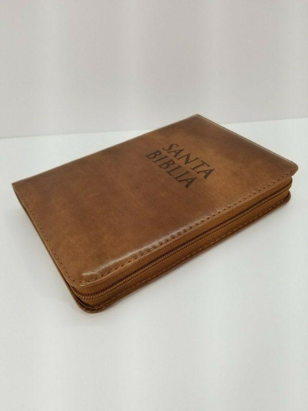 Biblia RVR 1960 Tamaño Compacto Color Cafe Claro para Jóvenes con Índice y Cierre a