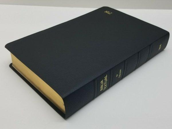 Biblia Textual IV Edición de Regreso a la Fuente Piel Genuina Color Negro a
