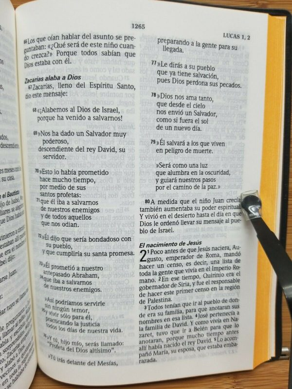 Biblia Lenguaje Actual TLA Tamaño Compacta Pasta Vinilo Color Vino a